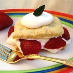 amerikanische erdbeertörtchen strawberry shortcake
