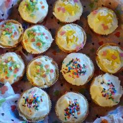 amerikanische vanille cupcakes mit vanille buttercreme
