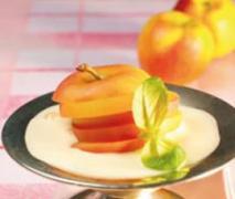 Äpfel an cidre zabaglione