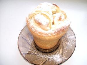 apfelkuchen im glas serviert