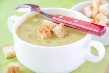auberginensuppe mit kräuter croutons