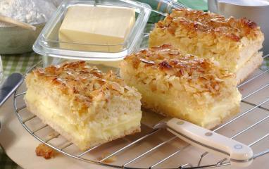 bienenstich mit butter vanillecreme