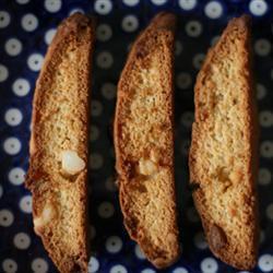 biscotti mit macadamia nüssen und weißer schokolade