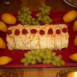 biskuitrolle mit pfirsichsahne