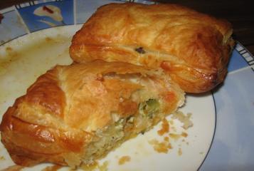 blätterteig snacks mit gemüse und frischkäse