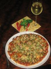 blüten meeresfrüchte pizza