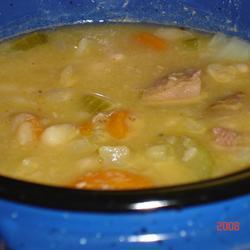 bohnensuppe mit schweinshaxe