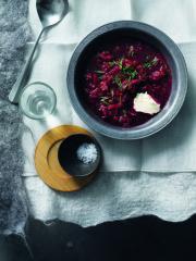 borschtsch mit meerrettichsahne