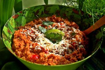 bulgur salat mit geriebenem schafskäse
