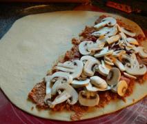 calzone mit schinken salami und champignons