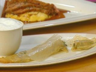 capuccino von waldpilzen mit grissini