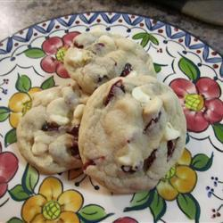 chocolate chip cookies mit cranberries und weißer schokolade