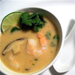 die beste thai kokossuppe mit shrimps