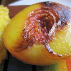 einfache gegrillte pfirsiche