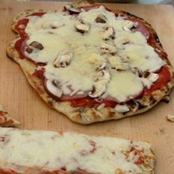 einfache gegrillte pizza