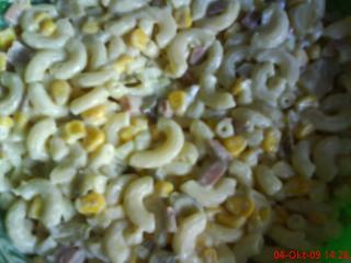 einfacher nudelsalat mit mais und knoblauch
