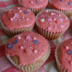 erdbeer cupcakes mit erdbeer buttercreme