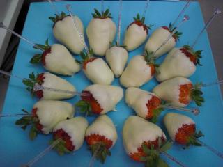 erdbeeren in weißer schokolade mit ingwer
