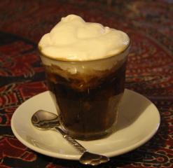espresso granita mit schlagsahne