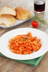 farfalle mit tomatensauce