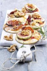 feigen piccolini pizzen mit walnüssen und rosmarin