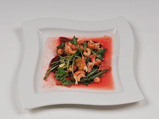 flusskrebs blutorangen salat auf rote bete carpaccio