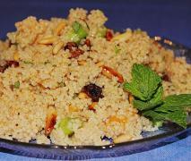 frischer couscous salat mit aprikosen