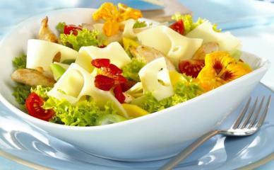 fruchtiger käse hähnchen salat