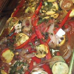 gebackener fisch mit kräutern und gemüse