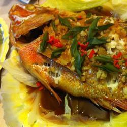 gedämpfter fisch auf chinesische art