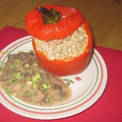 gefüllte paprika mit pilzsoße