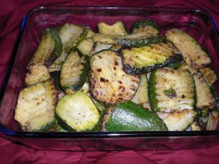 gekräuterte gegrillte zucchini