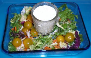 gemischter salat mit mozzarelladressing