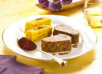 glasierte safran kalbsfilets mit kartoffel safran baumkuchen