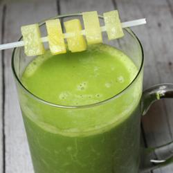 green smoothie mit banane ananas und spinat