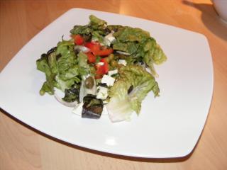 griechischer gemischter salat mit feta