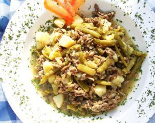 grüne bohnensuppe mit hackfleisch