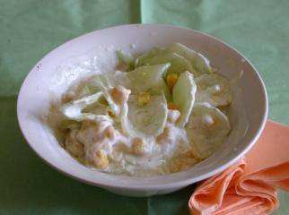 gurke mais salat