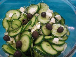 gurkensalat griechische art