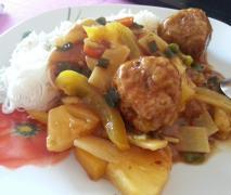 hackbällchen mit ananas ingwer sauce amp china gemüs