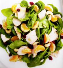 hähnchen auf zitronen spinat salat