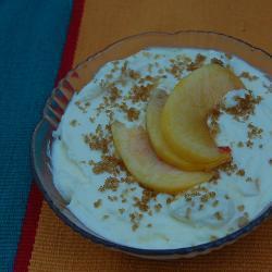 himbeeren und pfirsiche mit vanillecreme