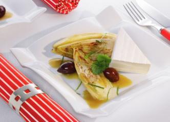 karamellisierter chicorèe mit französischem weichkäse