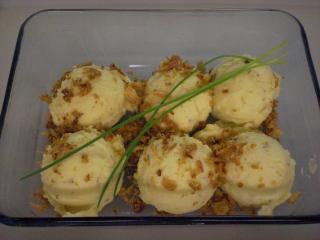 kartoffel käse püree bällchen mit röstzwiebeln