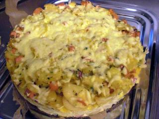 kartoffelkuchen mit fleischwurst