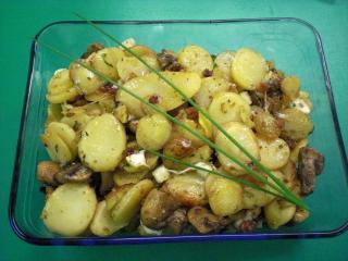 kartoffelpfanne mit pilzen