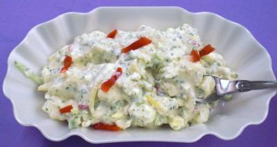 kartoffelsalat mit mayonnaise und essiggurken