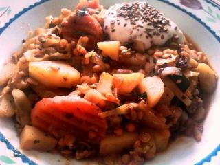 kartoffeltopf arrabiata mit roten linsen und curry gemüse