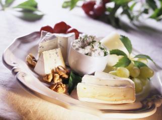 käse und früchte