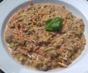 käsesuppe mit hackfleisch und paprika